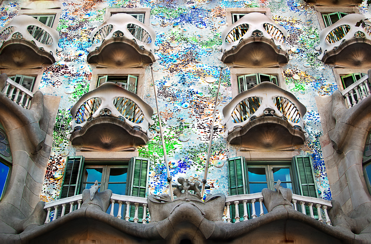 casa batllo The photographer david cardelús has taken a series of photographs of the casa  batlló, one of the most important works of the spanish.