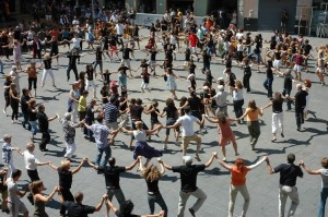La Sardana- Barcelona Diada Sant Jordi
